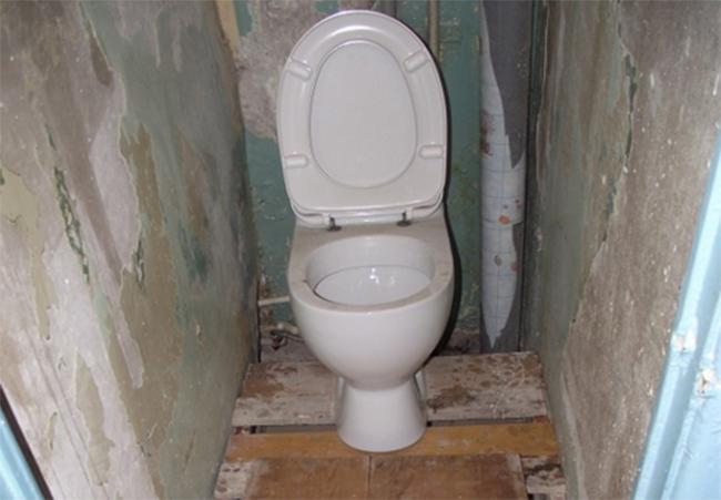 ремонт туалета пластиковыми панелями фото