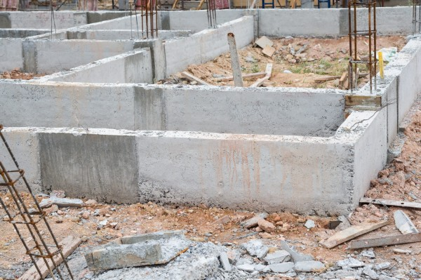 Блочный фундамент: основные этапы подготовки и строительства