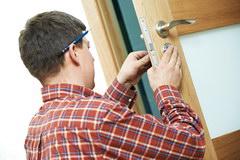 Kak ustanovit' mezhkomnatnye dveri svoimi rukami