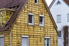 Uteplenie naruzhnyh sten derevjannogo doma