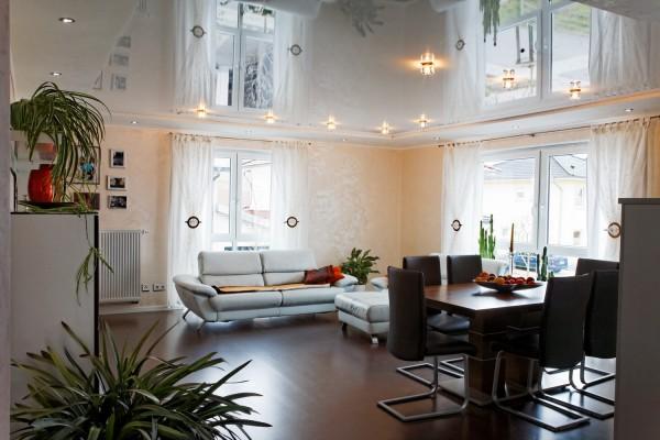 Декор с натяжными потолками