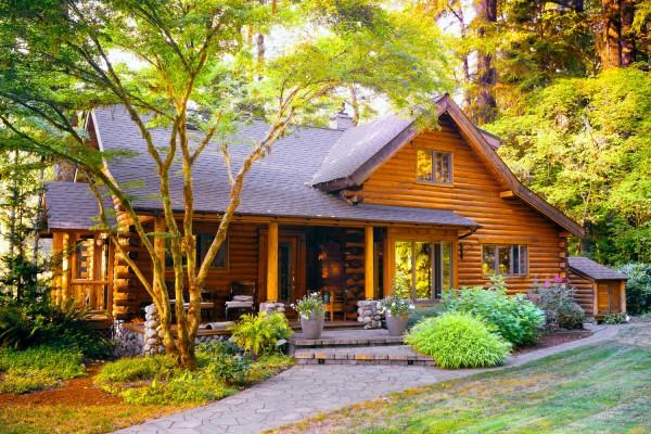 Как заменить поврежденные бревна в эксплуатируемом деревянном доме
