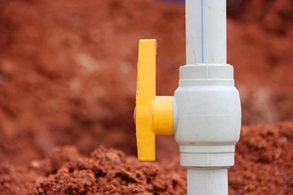 Водопровод из колодца: как правильно обустроить систему