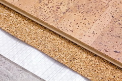 Probkovyj pol: raznovidnosti materiala i sposoby montazha
