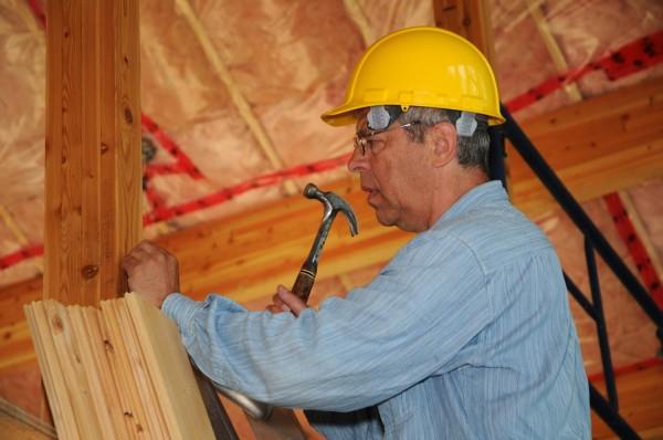 Утепление чердачного перекрытия частного деревянного дома