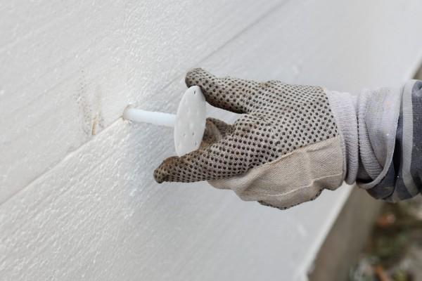 Процесс утепления стен пенополистиролом