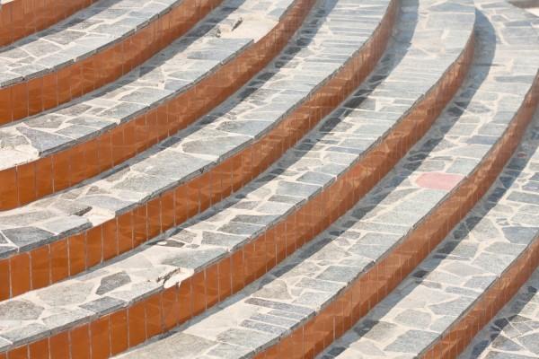 Облицовка кирпичной лестницы