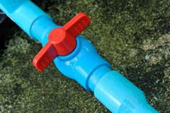 Vodoprovod iz kolodca: kak pravil'no obustroit' sistemu