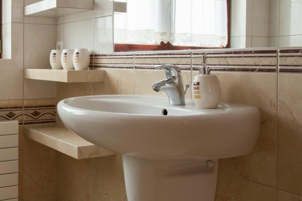 Раковина в ванной: выбор и самостоятельный монтаж