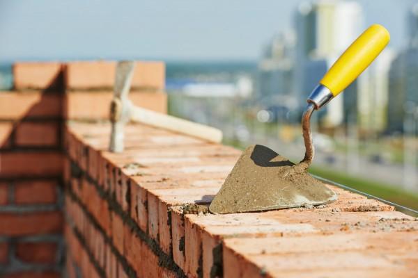 Строительство гаража на загородном участке: просто о сложном