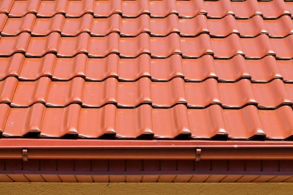 Какая крыша подходит для металлочерепицы